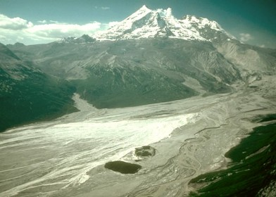 Mount_Redoubt_laharstromen_in_1989_en_1990